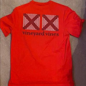 Men's Vineyard Vines red logo tee